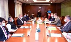 افغانستان میں قیام امن سے خطے میں تعمیر و ترقی ممکن ہوسکے گی، وزیر خارجہ