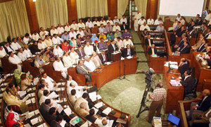 Members of rival parties trade insults during Sindh Assembly debate