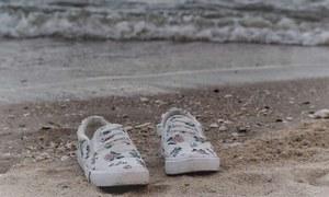 مخصوص ساحلوں پر بہہ کر آنے والے انسانی پیروں کا حیران کن اسرار