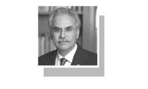 Health and macroeconomic policies