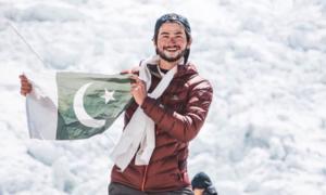 19-year-old Shehroze Kashif becomes youngest Pakistani to summit Everest