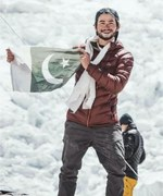 Shehroze Kashif becomes youngest Pakistani to scale Everest