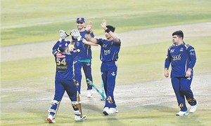 Pace is ace as Quetta Gladiators bounce back to shock Lahore Qalandars
