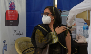 پاکستان میں ویکسینیشن کی رفتار 'نہایت سست'