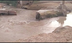35 villages come under water after flood protective dyke develops breach in Dadu