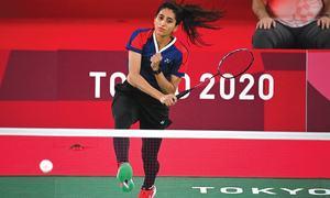 Pakistan shooter Gulfam, badminton star Mahoor lose opening ties
