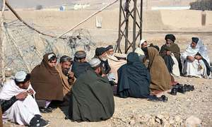 Thousands of Afghan families flee fighting in former Taliban bastion of Kandahar