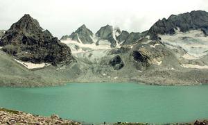 مشروم جھیل: سوات کی جھیلوں میں خوبصورت اضافہ