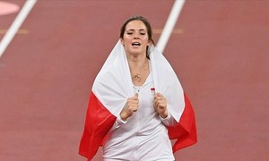 Polish athlete auctions off Olympic silver medal to help pay for infant's heart surgery
