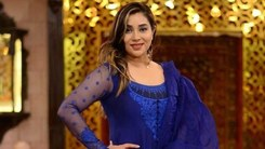 Komal Rizvi is going to talk about serious issues Pakistanis should be aware of on her new show