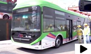 جدید گرین لائن بسوں میں کیا کیا سہولیات میسر اور کرایہ کتنا ہوگا؟ جانیے