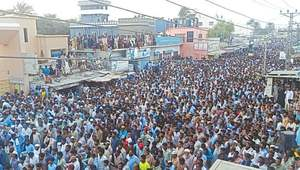 Thousands demand basic facilities in Gwadar, Turbat