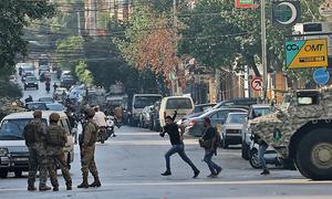 لبنان: بیروت میں احتجاجی ریلی میں فائرنگ اور جھڑپیں، 6 افراد ہلاک