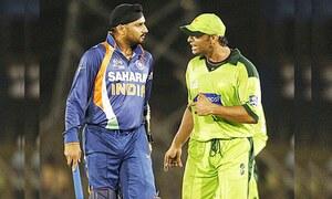 شعیب کو کہا ہے کھیلنے کا فائدہ نہیں، پاکستان پھر سے ہار جائے گا، ہربھجن سنگھ