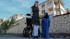 World's tallest woman says it's OK to stand out