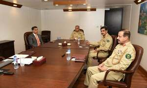Army chief visits ISI headquarters, briefed on 'internal security' by Lt Gen Faiz: ISPR