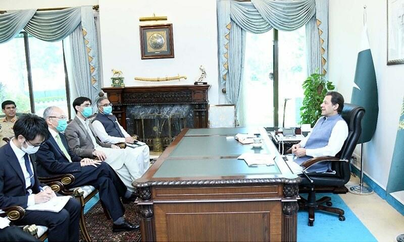 PM Imran urges world to unfreeze Afghan assets