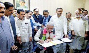 Rawalpindi mayor takes charge after LG govt restored on SC orders