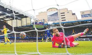Chelsea hit Norwich for seven
