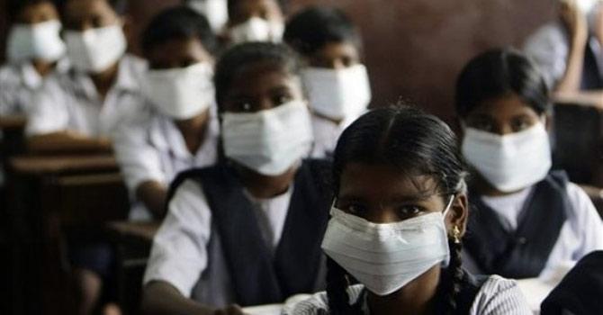 اس وائرس کی علامات فلو جیسی ہے لیکن ایک انسان سے دوسرے میں منتقلی کے امکانات بہت کم ہیں۔ فائل تصویر
