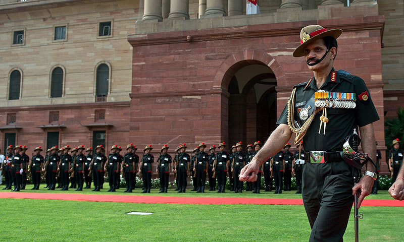 New Indian army chief issues warning to Pakistan on first day
