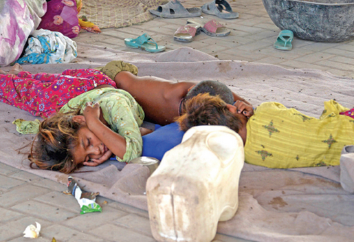 Murree road: Homeless under the bridge